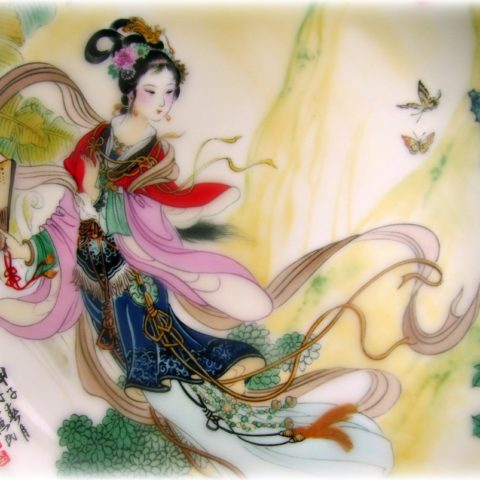 chinese-quan-yin-with-fan